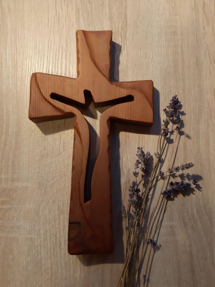 KŘÍŽ S VÝŘEZEM SILUETY KRISTA II. - menší